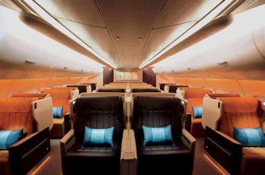 l'a380 de singapore airlines comporte 471 sièges répartis en 3 classes : 399