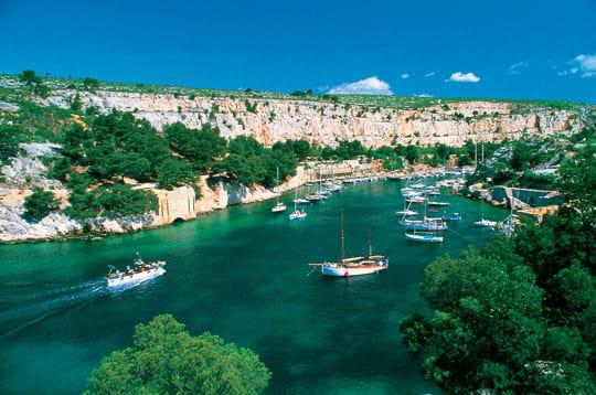 les romains, attirés par ce port naturel, l'avaient baptisé 'portus melius'.