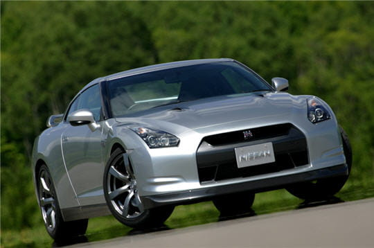 nissan gtr nouvelle nissan gt r linternaute. Black Bedroom Furniture Sets. Home Design Ideas