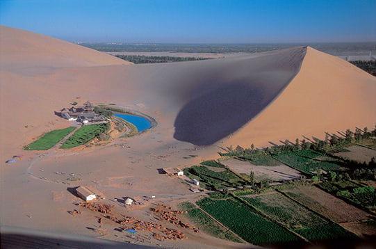 http://www.linternaute.com/voyage/magazine/photo/traversee-des-plus-beaux-deserts-du-monde/image/chine-269782.jpg