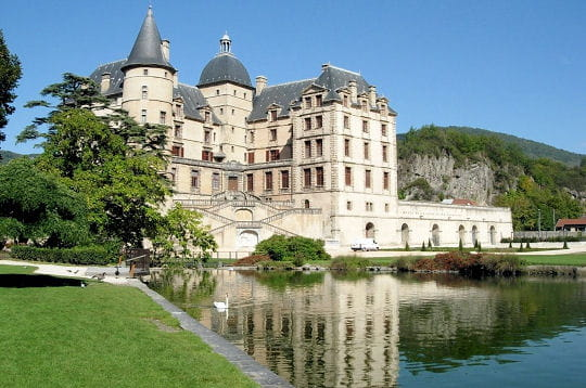 274145-la-chateau-de-vizille.jpg