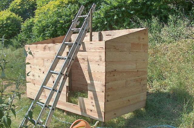 les lames comment construire une cabane en bois. Black Bedroom Furniture Sets. Home Design Ideas