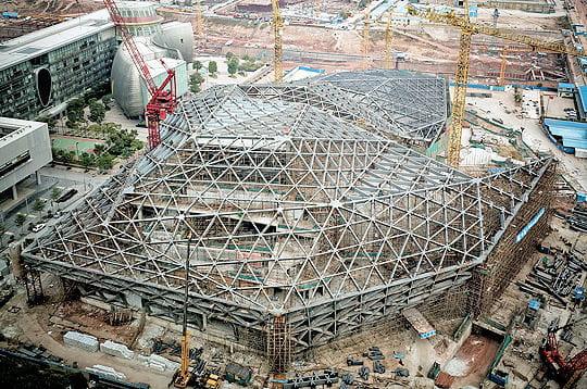 http://www.linternaute.com/savoir/grand-chantier/photo/l-opera-de-guangzhou/image/gigantesque-toile-d-araignee-285456.jpg