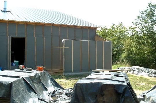 Des b ches pour prot ger le bois construire soi m me sa for Isoler sa maison par l exterieur soi meme