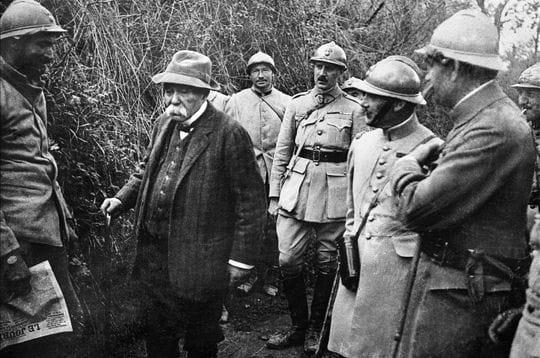 georges clemenceau en visite sur le front de picardie. jusqu'à la fin de la