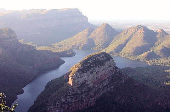 montagnes, plaines, déserts, littoraux... l'afrique du sud regorge de paysages