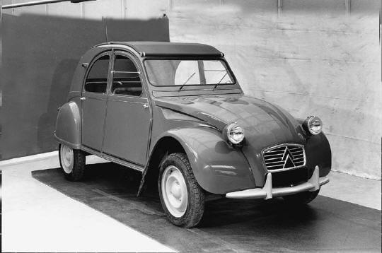 une nouvelle calandre en 1960   la troisi u00e8me   la 2cv  u00e0