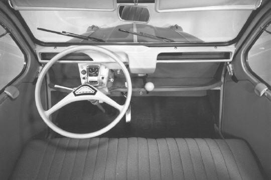 la planche de bord de la 2 cv azam la 2cv travers le temps linternaute. Black Bedroom Furniture Sets. Home Design Ideas