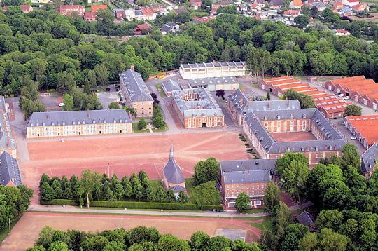 La citadelle d 39 arras vauban au patrimoine de l 39 humanit for Piscine d arras