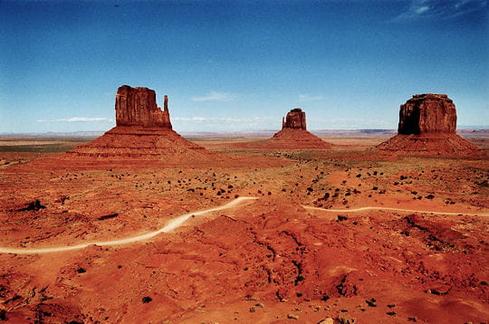 Sierra Auto Finance >> Le Monument Valley, Etats-Unis : Les 100 paysages du monde ...
