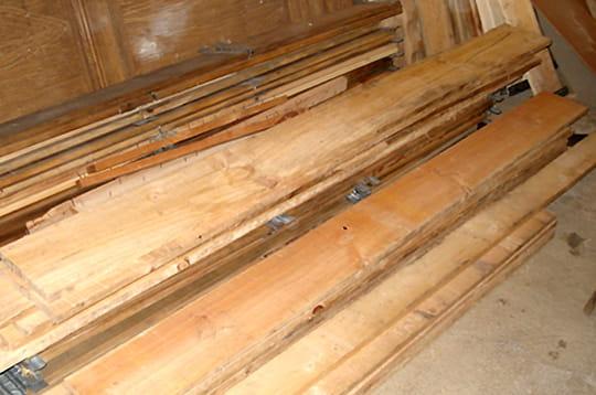 le bois fabriquer un fauteuil en bois linternaute. Black Bedroom Furniture Sets. Home Design Ideas