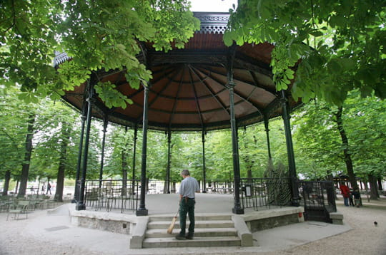 Emejing Kiosque De Jardin De Luxe Pictures - Sledbralorne.com ...