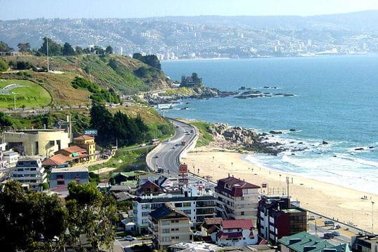 la panaméricaine continue sa route et descend sur près de 2 000 km à travers le