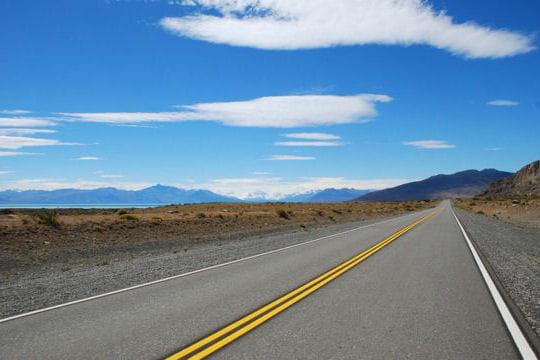 http://www.linternaute.com/voyage/magazine/photo/la-route-panamericaine-le-trait-d-union-d-un-continent/image/l-infini-silence-patagonie-319005.jpg