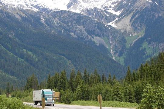 la route file vers le sud et va traverser le canada dans toute sa longueur en