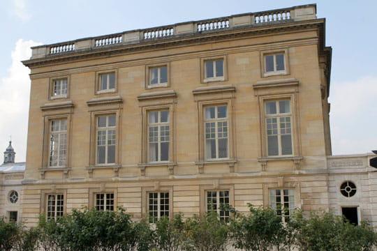 Fa ade c t jardin anglais r ouverture du petit trianon for Jardin anglais du petit trianon