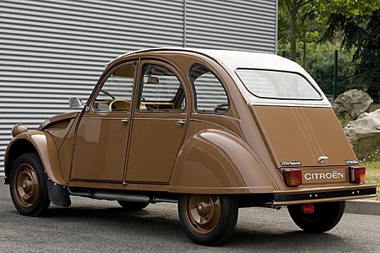 une couleur unique   mondial de l u0026 39 auto 2008   2cv herm u00e8s