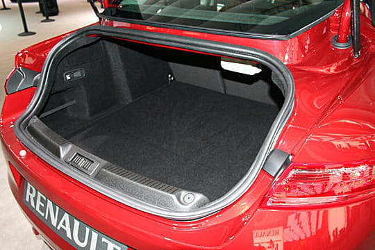 volume de coffre mondial de l 39 auto 2008 renault laguna. Black Bedroom Furniture Sets. Home Design Ideas