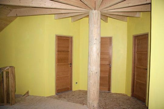 la peinture comment laetitia a construit une maison polygonale linternaute. Black Bedroom Furniture Sets. Home Design Ideas