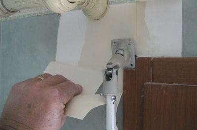 enlever le papier peint electrifier des volets roulants linternaute. Black Bedroom Furniture Sets. Home Design Ideas