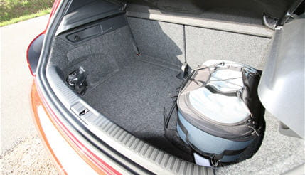 coffre volkswagen scirocco 2 0 tsi 200 ch dsg 6 linternaute. Black Bedroom Furniture Sets. Home Design Ideas