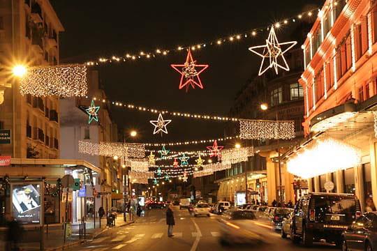 La rue de s vres paris ville de lumi res pour no l linternaute - Hopital laennec rue de sevres ...