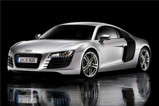 Garažas Audi-r8-v10-354294