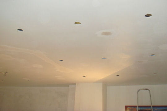 Faux plafond placo en ba13 saint denis devis travaux de for Faire un plafond en ba13