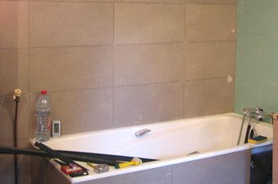 La pose du carrelage mural for Poser carrelage mural salle de bain