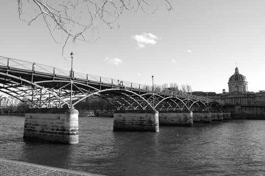 paris en noir et blanc ... Pont-arts-389524