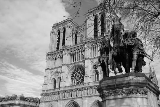 paris en noir et blanc ... Cathedrale-notre-dame-paris-389534