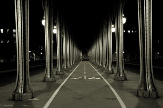 paris en noir et blanc ... Pont-bir-hakeim-389603