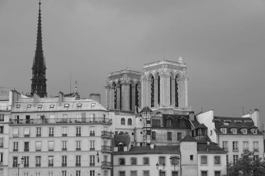 paris en noir et blanc ... Facades-parisiennes-389612