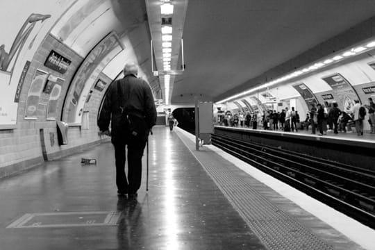 paris en noir et blanc ... Metro-389639