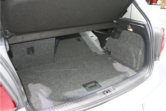 coffre et dimensions nouvelle volkswagen polo linternaute. Black Bedroom Furniture Sets. Home Design Ideas