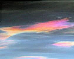 l'ozone filtre les rayons uv-b et c qui sont très nocifs.