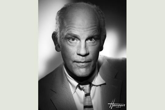 http://www.linternaute.com/photo_numerique/photographe/photo/les-plus-beaux-portraits-d-hommes-celebres-du-studio-harcourt/image/john-malkovich-413159.jpg