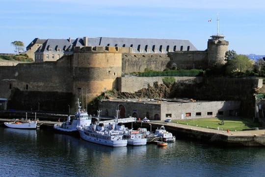 le port militaire brest les portes de l atlantique linternaute
