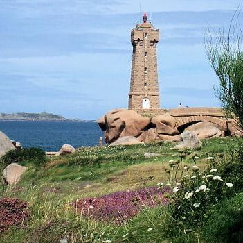 Un phare sur le chemin des Douaniers