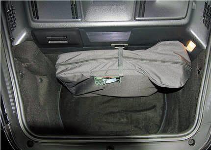 le coffre n 39 est pas grand mais logeable essai de la porsche 911 4s cabriolet incroyable d. Black Bedroom Furniture Sets. Home Design Ideas