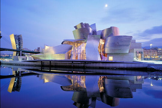 - Musée Guggenheim à Bilbao, Espagne Musee-guggenheim-bilbao-430935