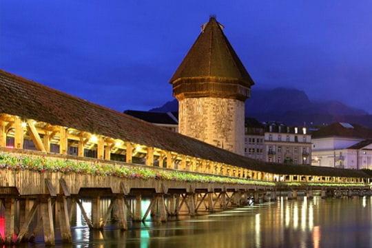 Un pont de bois pas comme les autres  Les merveilles du  ~ Bistrot Du Pont De Bois