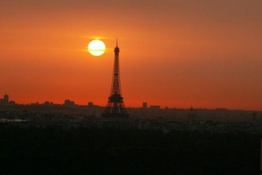 Lever du soleil sur paris la tour eiffel dans tous ses tats linternaute - Lever et coucher du soleil paris ...