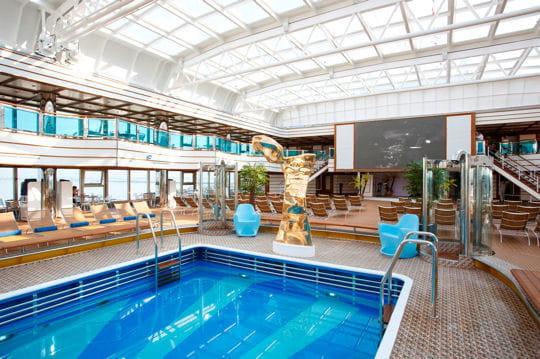 Ecran g ant de 18 m visite du costa luminosa et du - Costa luminosa piscine ...