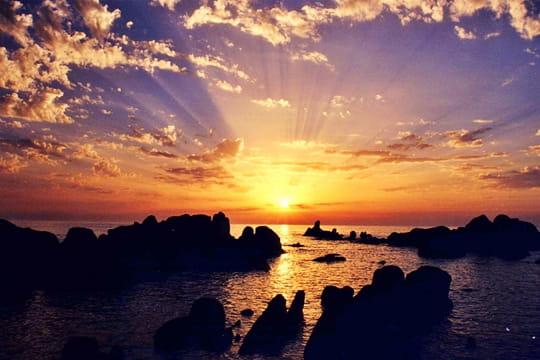 Lumi res au coucher du soleil nuage ciel d 39 azur - A quelle heure se couche le soleil ce soir ...