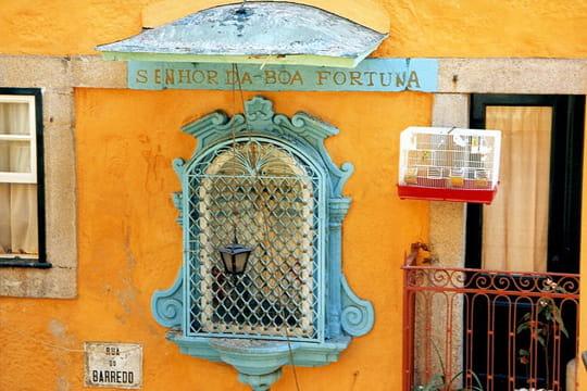 les couleurs du portugal le portugal de porto l. Black Bedroom Furniture Sets. Home Design Ideas