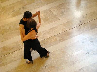 Danse de salon 15 danses pratiquer paris linternaute - Danse de salon paris ...