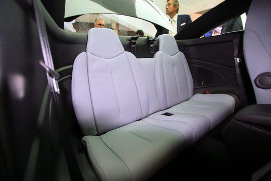 Salon Francfort 2009 : Peugeot RCZ Habitabilite-478092