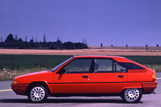 citro n bx 1982 1994 les voitures qui ont marqu les ann es 1980 linternaute. Black Bedroom Furniture Sets. Home Design Ideas