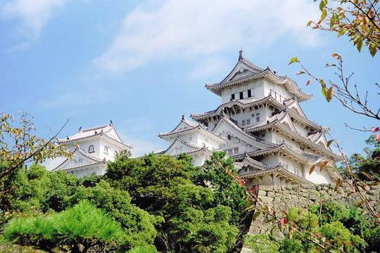Le ch teau d 39 himeji japon les plus beaux palais du for Le chateau le plus beau du monde